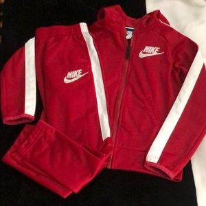 Kids 2-Piece Nike Sweatsuit